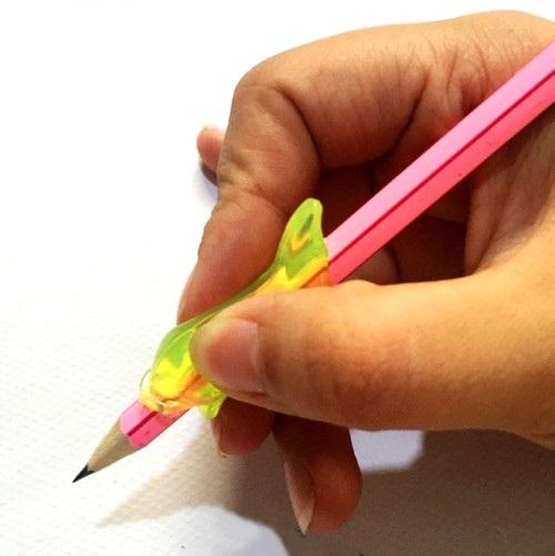 鉛筆もちかた 矯正 高品質新品 おさかなペン塾 Aセット 3個入り ペン軸 子供 定形外郵便 握り方 送料無料 代引不可 鉛筆 返品不可 キャップ 持ち方