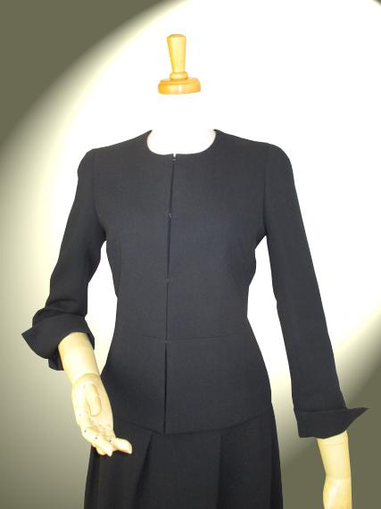 高品質完全日本製 二重織 新ダブルウール ノーカラー ジャケット取り外し持ち出し付き【ロイヤルメード カラー 黒】ブラック フォーマル ウール100% ミセス キャリア ビジネス