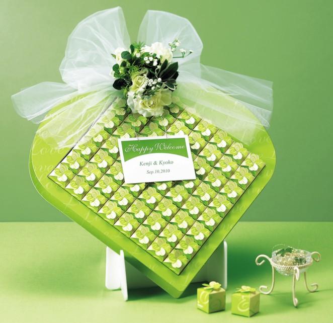 ウェルカムボードになる 四つ葉のクローバーBOXのプチギフト60個セット (1箱にクローバーキャンディ3粒入り)【結婚式 ウェルカムオブジェ】