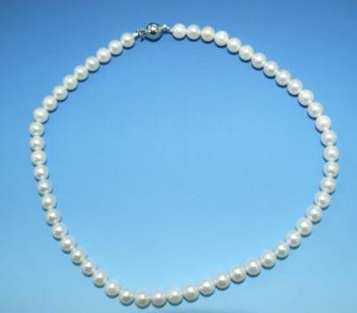 南国のアコヤ真珠ネックレス