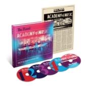 【送料無料】 The Band バンド / ライヴ・アット・アカデミー・オブ・ミュージック 1971 ロック・オブ・エイジズ・コンサート (4CD+DVD)(国内盤仕様輸入盤) 輸入盤 【CD】