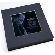 【送料無料】 Blue Note Review Vol.1: Peace, Love & Fishing (+2LP)(リトグラフ / スリップマット / スカーフ / ファンジン封入) 輸入盤 【CD】