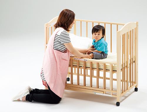 【代金引換不可】【お客様都合による返品交換不可】折りたたみベッド・木製白木 保育用品