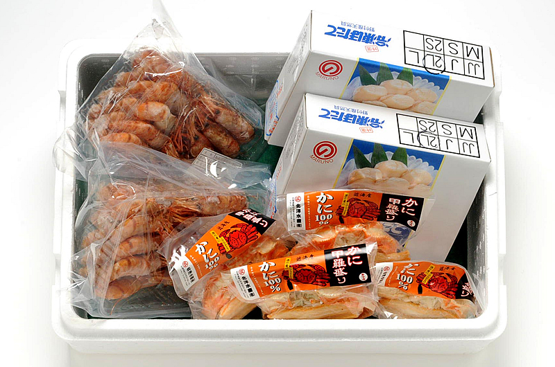 Hokkaido seafood products luxury set ( spot prawns 500 g × 2, frozen scallops 500 g × 2, crab shell height 110 g x 4 )