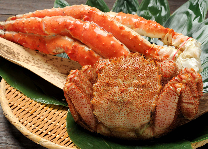 Set (800 g of hairy crabs, king crab leg 1 kg) of a hairy crab and the king crab of Hokkaido