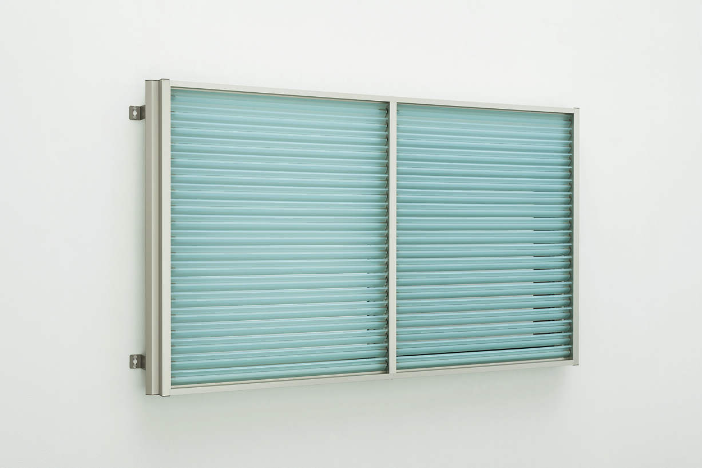 お気にいる YKKAP窓まわり 標準枠:[幅895mm×高1050mm]:ノース&ウエスト 目隠し 上下同時可動タイプ[引き違い窓用] 多機能ルーバー[ポリカルーバー]-木材・建築資材・設備