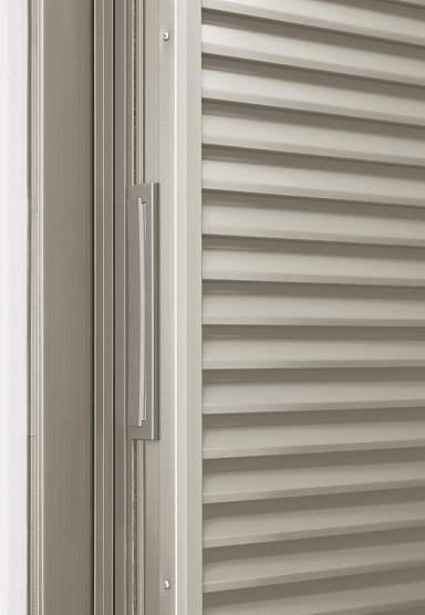 YKKAPオプション窓サッシ引き違い窓フレミングJ:フタ付戸出し口