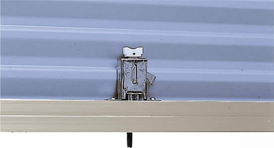 YKKAPオプション窓サッシ引き違い窓フレミングJ:雨戸錠[下部錠]