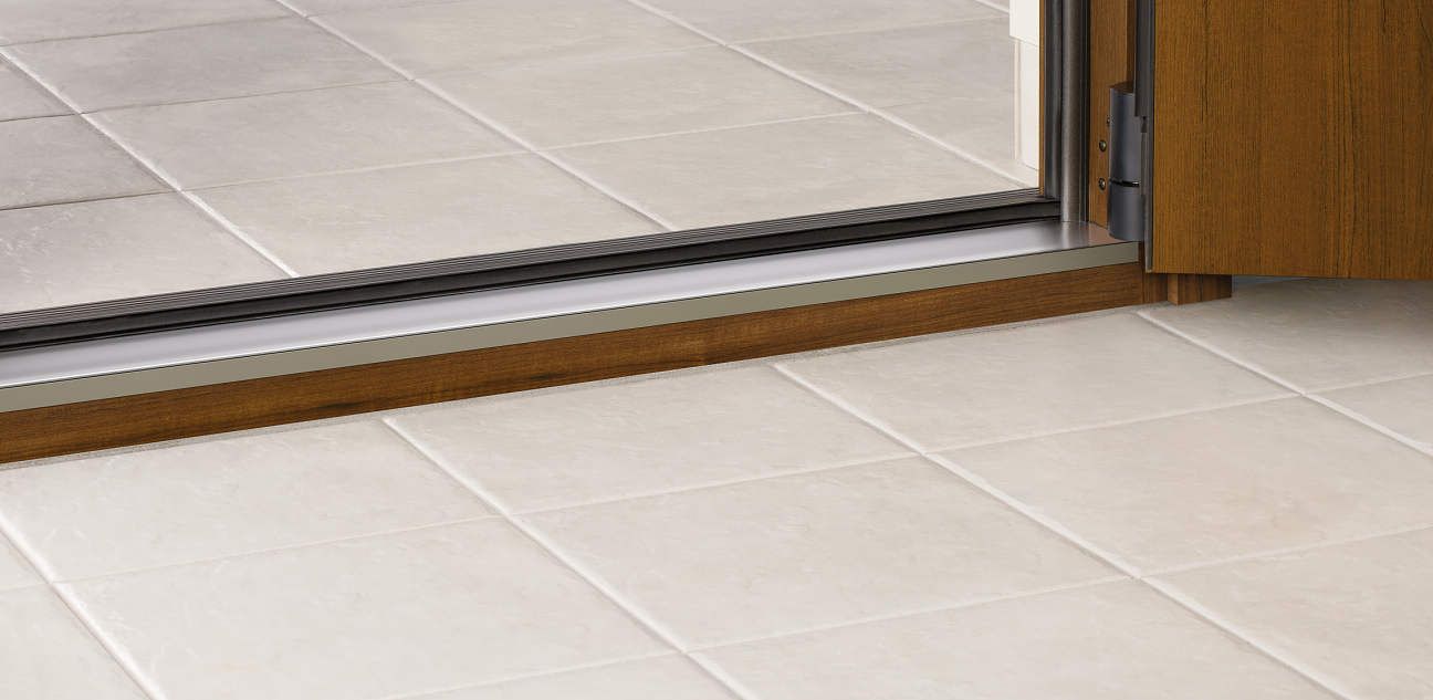 YKKAPオプション 玄関ドア イノベスト:下枠幅木 間口:6尺(1690mm)用