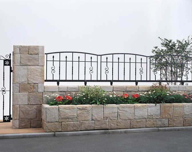 YKKAPガーデンエクステリア フェンス トラディシオン 3型:自由柱施工 T60[幅1000mm×高600mm]【YKK】【YKKフェンス】【アルミ鋳物フェンス】【境界】【仕切り】【柵】【南欧風】【レンガ】【ガーデン】