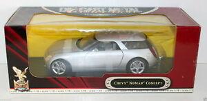 送料無料 ホビー 模型車 授与 車 レーシングカー ギフ_包装 シボレーノマドコンセプトシルバーroad signature 92668 silver nomad chevy concept 118