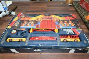 送料無料 ホビー 模型車 車 レーシングカー コーギージャンリチャードサーカスパーツボックスパーツcorgi toys gift set pinder en ご予約品 partie 48 日時指定 cirque jean richard box