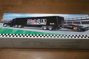最新入荷 【送料無料】モービル (86) TRANSPORTER・レーシング・チームのトランスポーター:レースカーの作業灯:()MOBIL 1 RACING TEAM TRANSPORTER & NIB 1:64 RACE CAR WORKING LIGHTS 1:64 NIB (86), 千代川村:b624269b --- kventurepartners.sakura.ne.jp