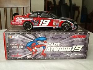 今年も話題の 【送料無料】アクションケイシー・アトウッド#究極の『スパイダーマン』の:スケールのストックカーAction Casey 2001 NASCAR Casey Spider-Man Atwood #19 Ultimate Ultimate Spider-Man 1:24 Scale Stock Car, 制服マート:d0b65eaa --- independentescortsdelhi.in
