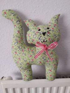 【送料無料】 handmade cuddly cats shape