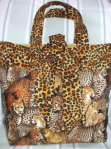 【送料無料】ファブリックパッドトートバッグショッパーカレッジbig cats leopard print unique fabric padded tote bag shopper college uni gift