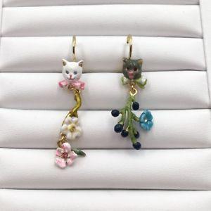 【送料無料】猫 キャット ネコ イヤリング ピアスレグレーイヤリングles nereides grey and white cat earrings