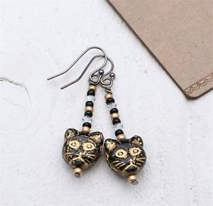 【送料無料】ネコ 猫 ネックレス ガラスイヤリングブラックゴールドスワロフスキークリスタルバステトクリア
