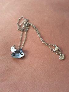 【送料無料】ネコ 猫 ネックレス スワロフスキーミニライトサファイアクリスタルカットペンダント×swarovski mini cat stone cut light sapphire crystal pendant 1003282 38 15*18