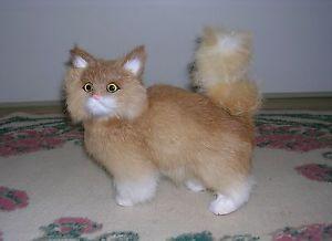 【送料無料】猫 ネコ キャット 置物 リアルウサギrealistic lifelike cat playing rabbit fur furry animal c329t