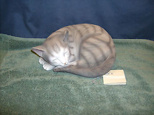 【送料無料】猫 ネコ キャット 置物 グレーlarge cat grey sweet dreams  hd37164  abc