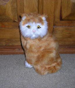 【送料無料】猫 ネコ キャット 置物 リアルrealistic lifelike cat sitting synthetic fur furry animal c312t