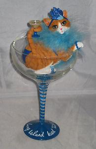 【送料無料】猫 ネコ キャット 置物 ロングアイランドアイスガラスリムーバブルフェザーボアlong island iced tabby glass removable cat with drink feather boa resin nwob