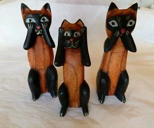 【送料無料】猫 ネコ キャット 置物 フォークアートトリオインドネシアfolk art wooden cat trio statues see, hear, speak no evil from indonesia