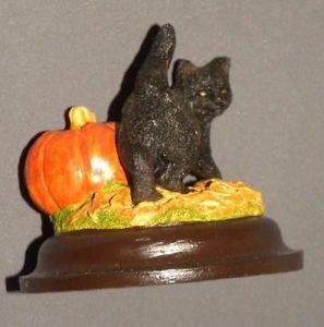 【送料無料】猫 ネコ キャット 置物 アンティークカボチャ#ベース