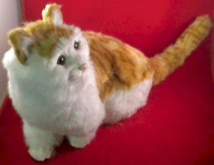 【送料無料】猫 ネコ キャット 置物 サイズリアルポーズrealistic life size brown and white cat with lifelike fur and poseable tail