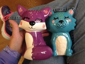 【送料無料】猫 ネコ キャット 置物 カラフルセラミック set of two cute colorful ceramic cat figurinesstatues with free shipping