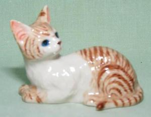【送料無料】猫 ネコ キャット 置物 ミニチュアklima miniature porcelain animal figure red tabby cat lying e234