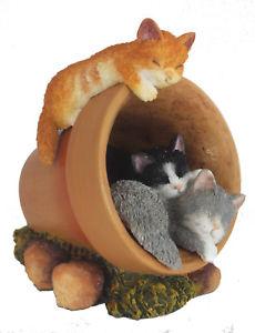 【送料無料】猫 ネコ キャット 置物 three sleepy kittens resting in a flowerpot perfect collectible gift
