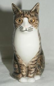 【送料無料】猫 ネコ キャット 置物 ウズラ##;#quail ceramics animal figure moggie cat 034;millie034; 3034; 875