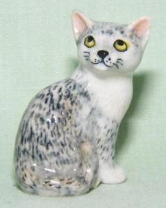 【送料無料】猫 ネコ キャット 置物 ミニチュアネコklima miniature porcelain animal figure grey cat sitting l176