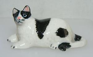 【送料無料】猫 ネコ キャット 置物 ミニチュアklima miniature porcelain animal figure fat cat lying k072