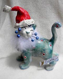 【送料無料】猫 ネコ キャット 置物 #;セーブル#サンタ034;sable034; whimsiclay santa cat sculpture with froufrou amp; crystals