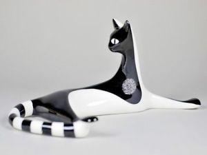 【送料無料】猫 ネコ キャット 置物 cmielow porcelain cat relaxing cmielow porcelain cat relaxing
