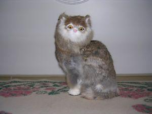 【送料無料】猫 ネコ キャット 置物 ウサギrealistic lifelike cat sitting rabbit fur furry animal c274gy