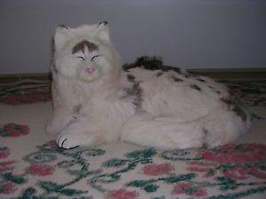 【送料無料】猫 ネコ キャット 置物 ウサギrealistic lifelike lying cat with eyes closed rabbit fur furry animal c230bwb