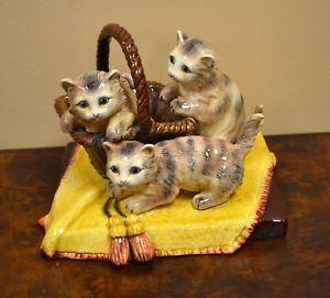 【送料無料】猫 ネコ キャット 置物 ceramic cat statue