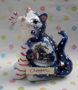 【送料無料】猫 ネコ キャット 置物 #;チョッパーオートバイ034;chopper034; whimsiclay cat with american flag motorcycle detail