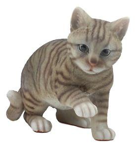 【送料無料】猫 ネコ キャット 置物 リアルグレー#;ガラスlifelike pawing grey tabby cat statue 1375034;long with glass eyes hand painted