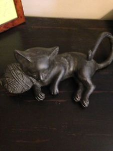 【送料無料】猫 ネコ キャット 置物  cute sleeping garden cat with yarn ball statue figurine and free shipping