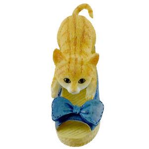 【送料無料】猫 ネコ キャット 置物 ネコウェッジアーティストカオanimal kitten with wedge resin country artists cao2758