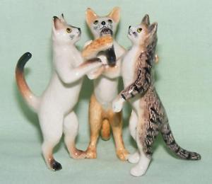 【送料無料】猫 ネコ キャット 置物 ミニチュアトリオklima miniature porcelain aimal figures trio of singing cats k961