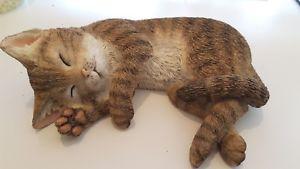 【送料無料】猫 ネコ キャット 置物 アーティストtabby kitten asleep by country artists