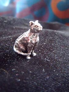 【送料無料】猫 ネコ キャット 置物 ソリッドシルバーミニチュアオーナメントadorable solid 925 silver miniature cat ornament