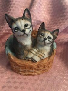 【送料無料】猫 ネコ キャット 置物 ビンテージレトロキャラコvintage retro midcentury modern ceramic fluffy calico tabby cat figurine