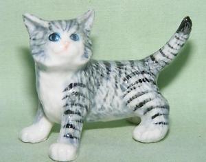 【送料無料】猫 ネコ キャット 置物 ミニチュアklima miniature porcelain animal figure cat standing l953